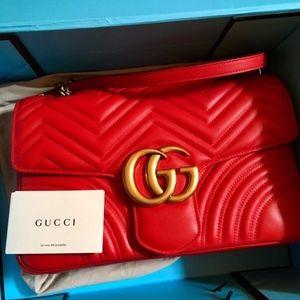 RED medium Gucci Marmont